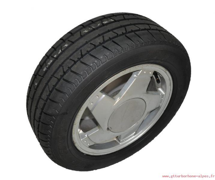 la super 5 gt turbo en auvergne rh ne alpes voir le sujet annonce vintage tyres pneus 195 55 r13. Black Bedroom Furniture Sets. Home Design Ideas